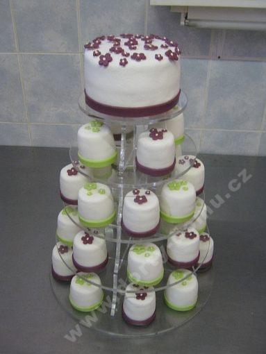 cupcake-barevne-minidortiky.jpg