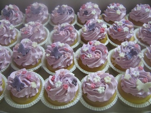 cupcake-fialove-kvety.jpg