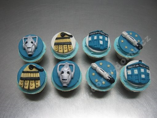 cupcakes-marcipan-vesmir-motivy.jpg