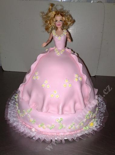 depa19-dort-barbie-patrova-s-kvetinkovou-sukenkou_q0c9u.jpg