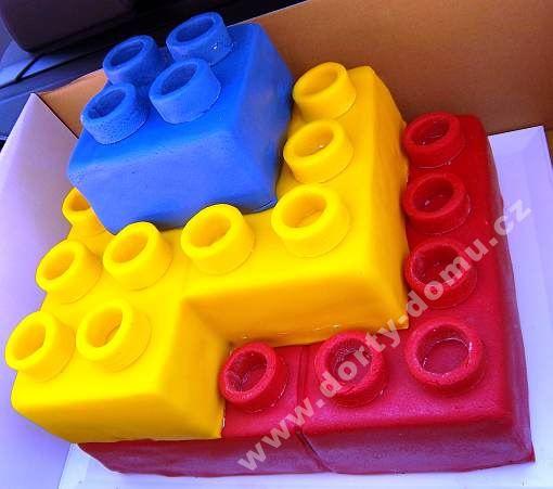 deru107-dort-lego-kostky.jpg