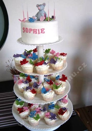 dort-cupcake-sestava-detska-oslava.jpg