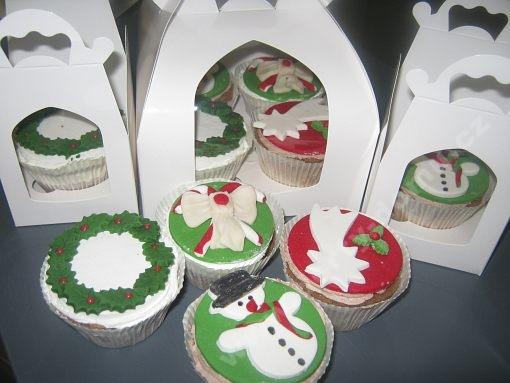 dort-cupcakes-s-marcipanovymi-motivy-vanocni.jpg