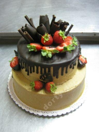 dort-excluzivni-s-cokoladou-a-jahodami.jpg