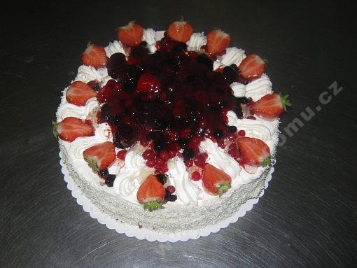 dort-jemny-tvarohovy-s-lesnim-ovocem.jpg