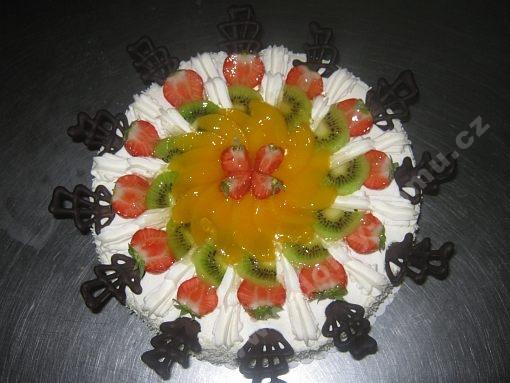 dort-jemny-tvarohovy-s-ovocem.jpg