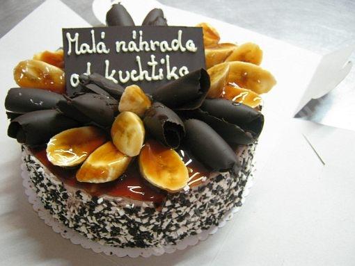dort-kulaty-karamel-cokolada-banany.jpg