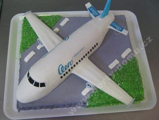 dort-letadlo-na-draze.jpg