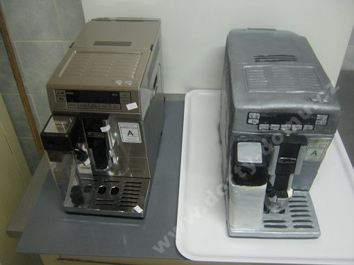 dort-model-kavovaru-delonghi-v-zivotni-velikosti.jpg