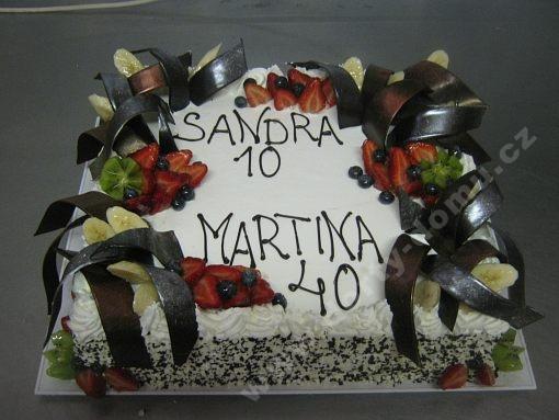 dort-obdelnik-s-venovanim-jahody-a-cokoladove-dekory.jpg