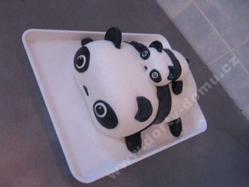 dort-panda-s-mladetem.jpg