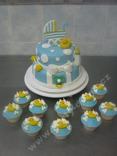 dort-patrovy-ke-krtinam-pro-chlapecka-s-cupcakes.jpg