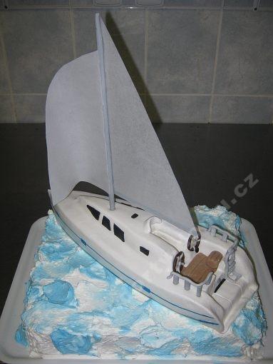 dort-plachetnice-na-dortu-jedly-papir.jpg