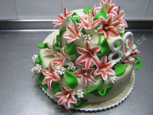 dort-slavnostni-s-liliemi.jpg
