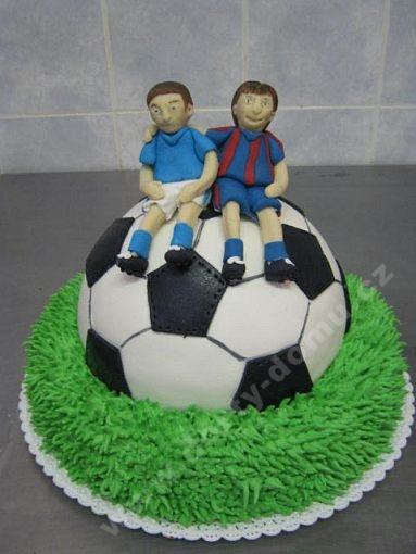 dort-sport-fotbal-mic-v-marcipanu-s-fotbalisty.jpg