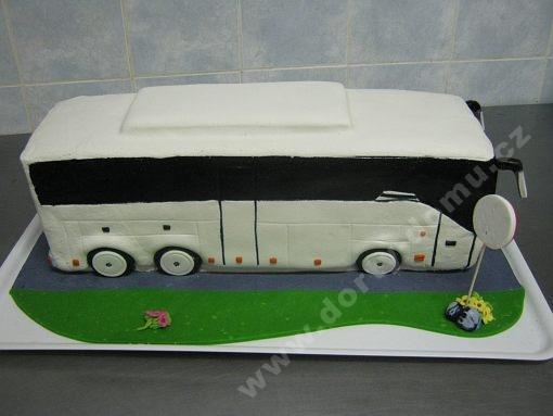 dort-zajezdovy-autobus-marcipan.jpg