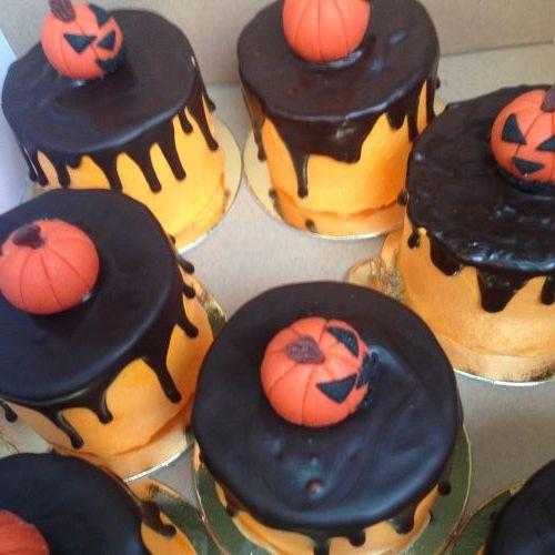 dortiky-halloween-pomerancove-s-dyni-z-marcipanu-zmensena-na-web.jpg