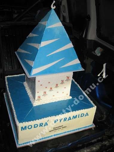 fi46-dort-k-vyroci-mdre-pyramidy.jpg