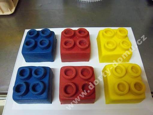 fip01-dort-kosticky-lego.jpg