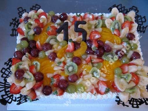 ov34-dort-dekorovany-cokoladou-a-ovocem.jpg