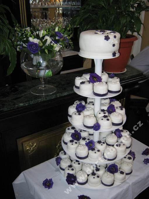 ps55-cupcakes-v-marcipanu-sestava.jpg