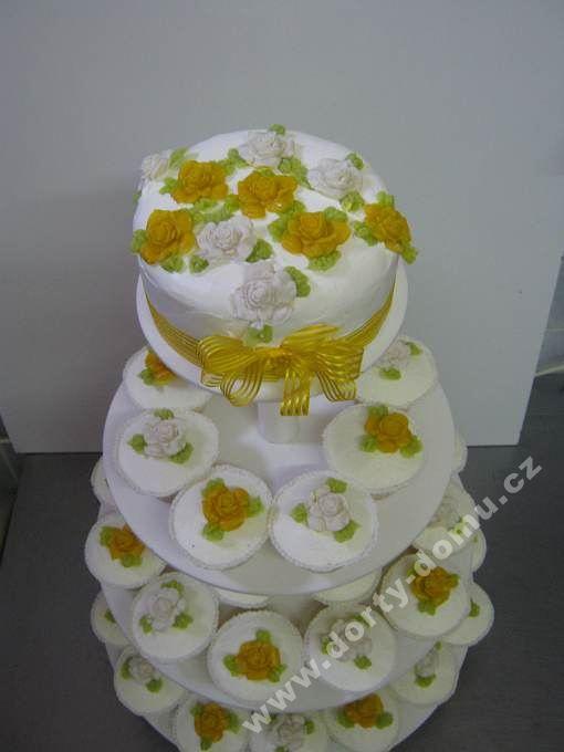 ps59-cupcakes-svatebni-s-ruzemi.jpg