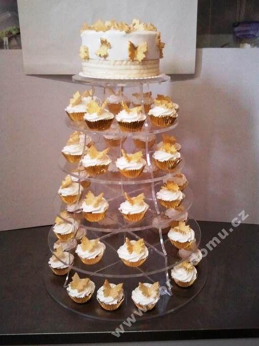 ps60-cupcake-se-zlatymi-motylky-a-dekory.jpg