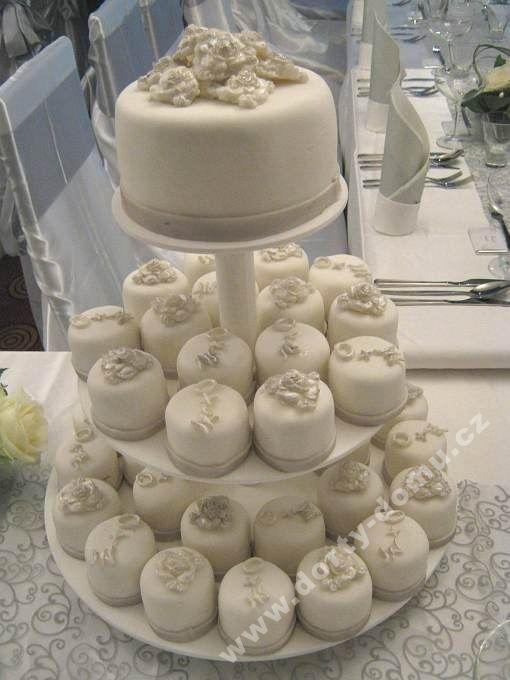 ps62-cupcake-design-specialistka-stribrna-sestava.jpg