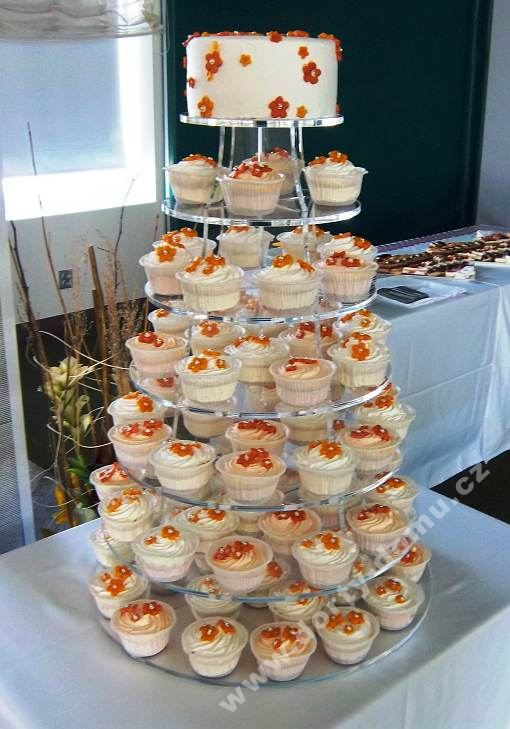ps65-cupcake-s-lososovymi-kvitky.jpg