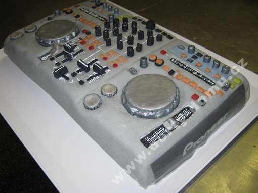 pzk64-dort-mixazni-pult.jpg