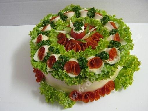 sd25-slany-dort-cabajsky-se-salatkem.jpg