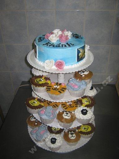 sestava-cupcakes-na-stojanu-zviratka.jpg