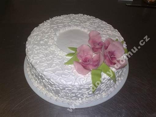 sl02-dort-jemny-s-marcipanovym-dekorem.jpg
