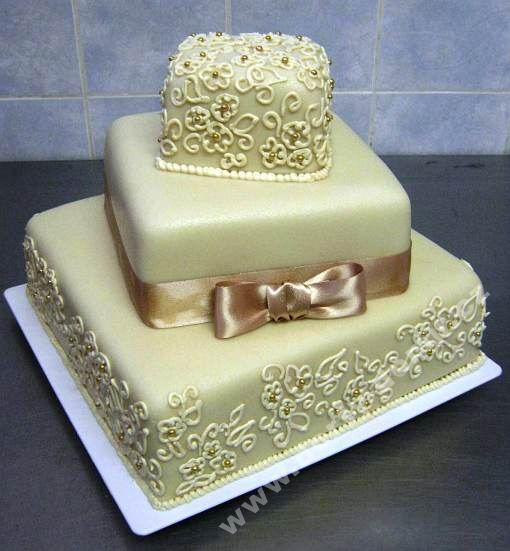 sl10-dort-ke-zlate-svatbe-tripatrovy-zlaty.jpg