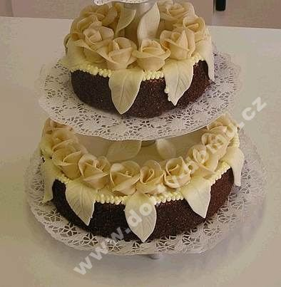 sl28-dort-dvoupatrovy-cokoladovo-marcipanovy.jpg