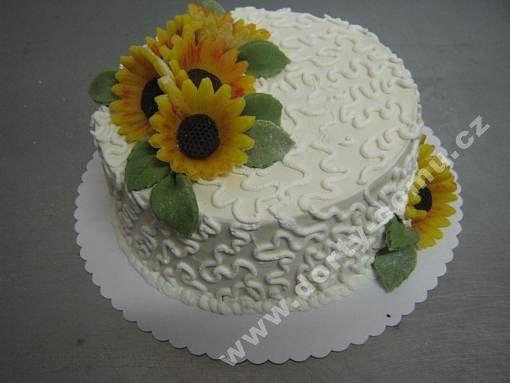 sl38-dort-jemny-s-marcipanovymi-kvety.jpg