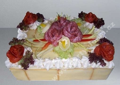 slany-dort-obdelnik-s-variaci-salamu-a-syru_p5kkm.jpg