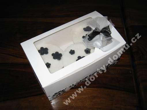 spe01-svatebni-vysluzkova-krabicka-s-dekorem.jpg