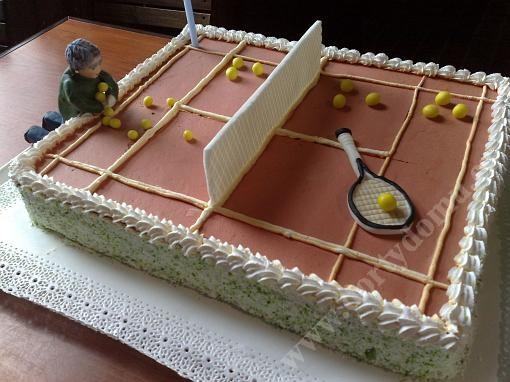 spf21-dort-tenisove-hriste-s-oslavencem.jpg