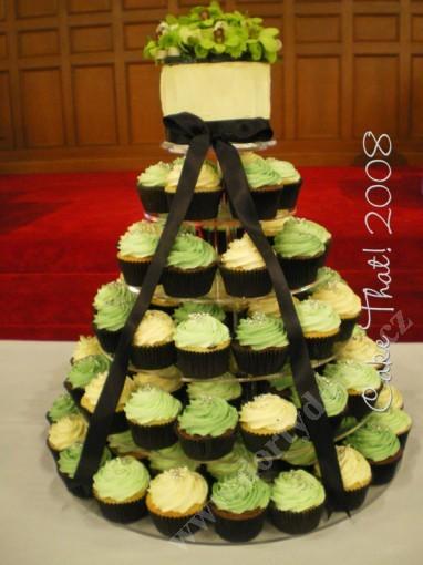 svc05-green-cupcake.jpg