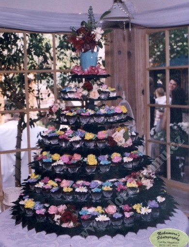 svc21-cupcake-flowertree.jpg