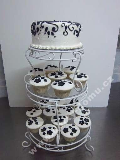 svc24-svatebni-cupcakes-black-and-white.jpg
