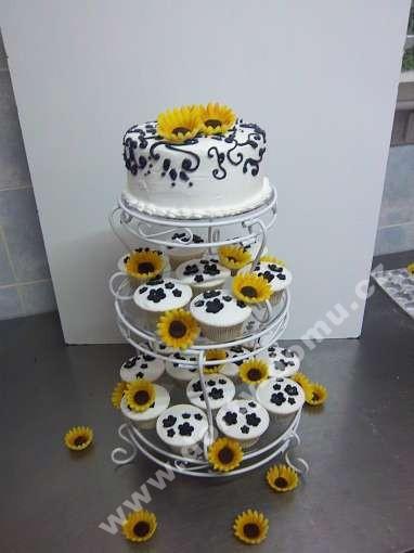 svc25-svatebni-cupcakes-se-slunecnicemi.jpg