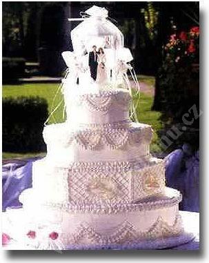 svp103-svatebni-dort-s-sestidelnikem.jpg