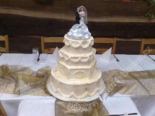 svp89-svatebni-dort-bilo-zlaty.jpg
