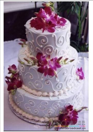 svp98-svatebni-dort-lila-orchidei.jpg