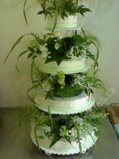 svpl18-svatebni-dort-s-lucnim-kvitim.jpg