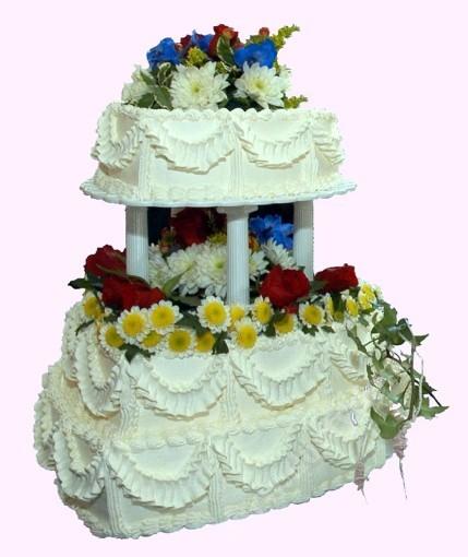 svr21-svatebni-dort-srdce-s-lucnimi-kvety.jpg