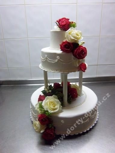svr28-svatebni-dort-sen.jpg
