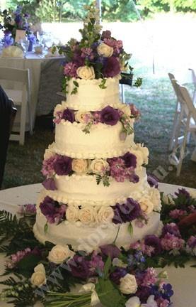 svs17-svatebni-dort-s-s-ruznobarevnymi-kvety.jpg